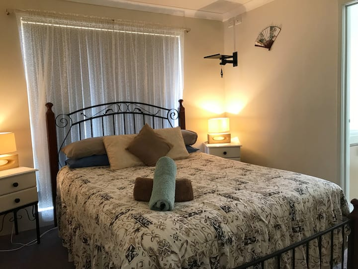 Ocean House  good for families and is pet friendly