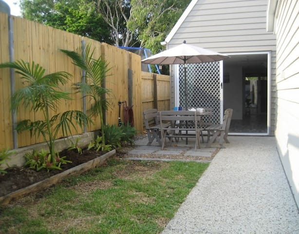 Renovated, 2 story, 2br, Private A/C Guest house.