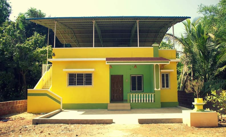 Bungalow on hire with complete privacy.