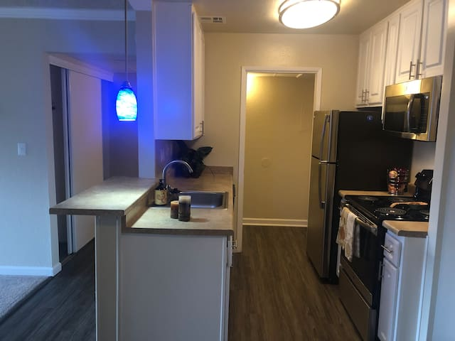 Entire apartment for you | 1BR in Concord