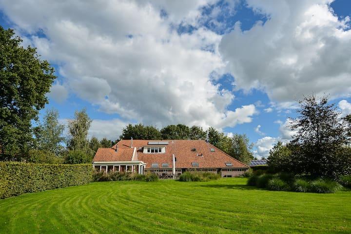 Villa De Blauwe Aap near Giethoorn - Onna - วิลล่า