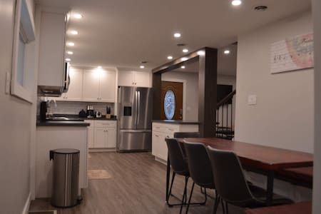Newly renovated, modern & amazing 3br/2ba VIP home