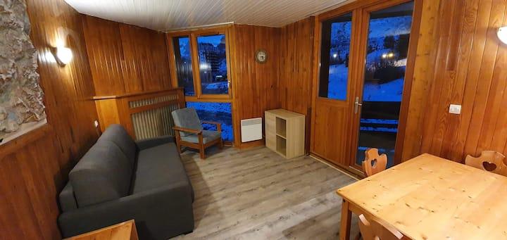 Chaleureux T1 Bis rénové de 30 m2 au dernier étage