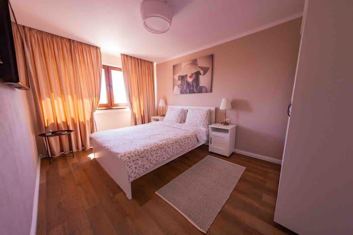 Dormitor cu vedere la Cetatea ALBA CAROLINA