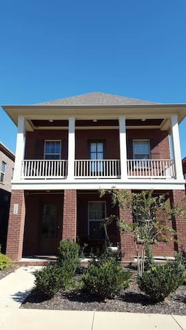 Master Bedroom with Balcony - Hendersonville - House