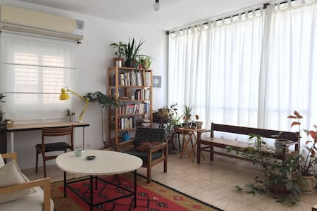 Sunny 1 Bedroom Apartment in South Tel Aviv