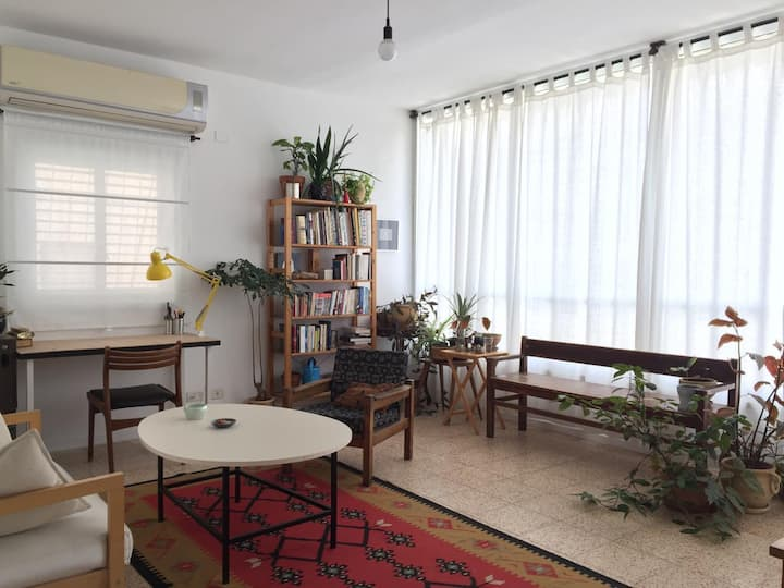 Sunny 1 Bedroom Apartment in South Tel Aviv
