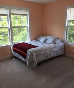 Private bedroom close to VT campus - Christiansburg - タウンハウス