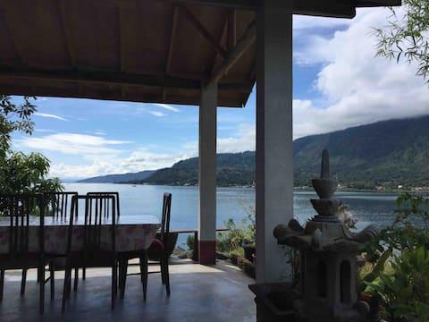 Wonderful views, spice house Tuktuk.