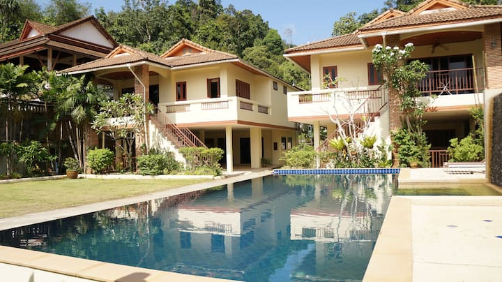 Kathu Tropical Pool Villa 1