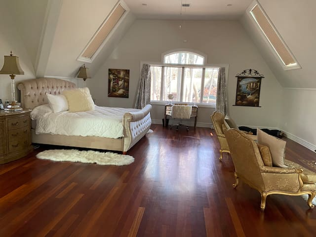 1500 sq' 2room suite on Private secluded estate