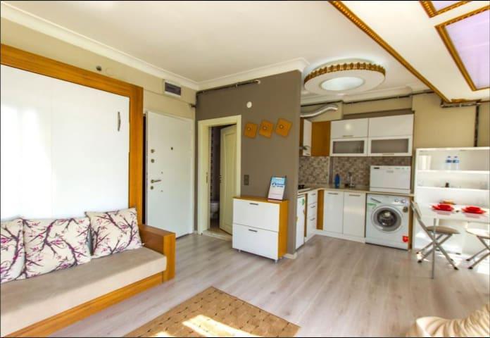 Kadıköy'e çok yakın uygun fiyatlı temiz ev.