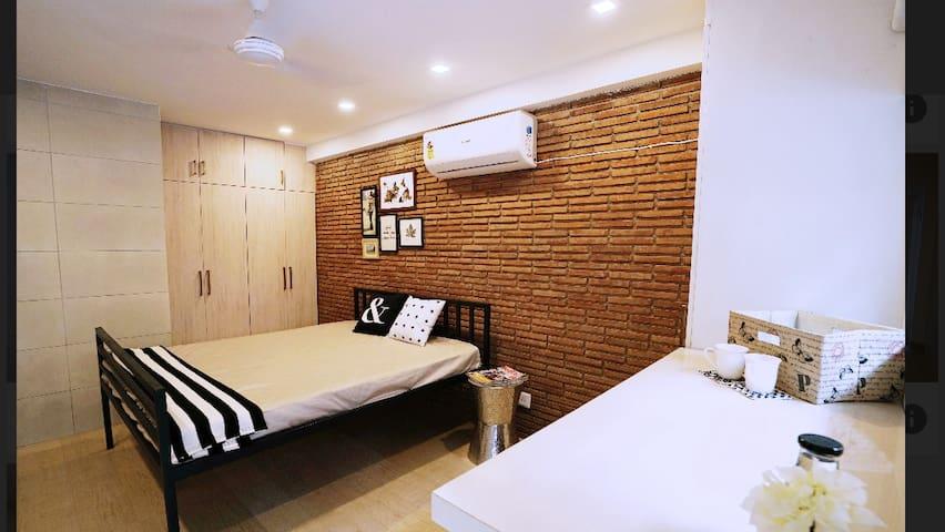 Comfortable Studio centrally located