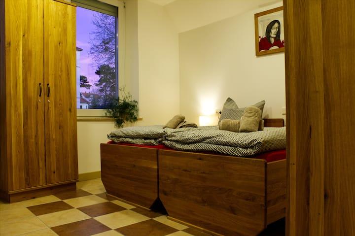 Drei Bett-Zimmer im Hostel Döbeln