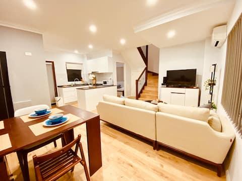 悉尼罕见的两层三房公寓