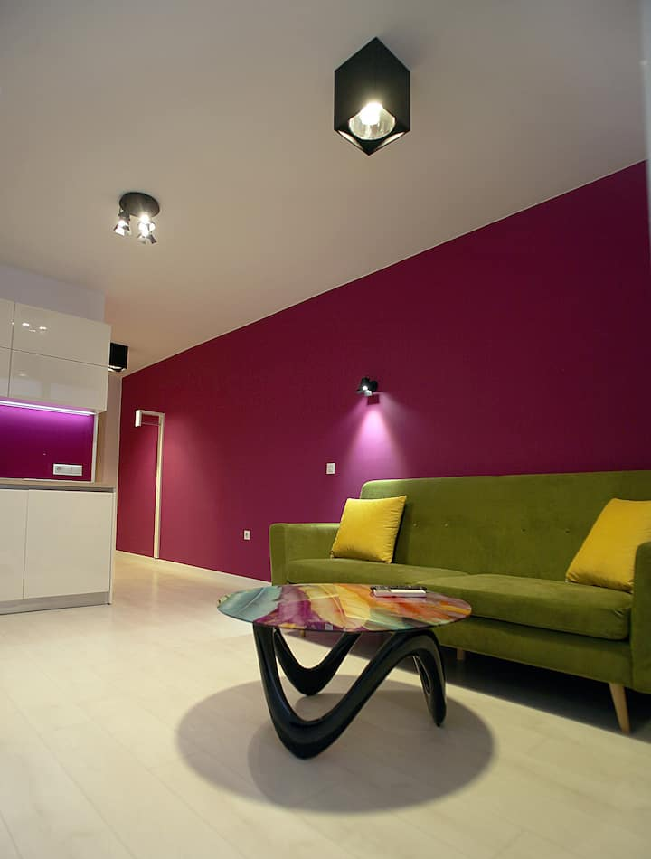 Magenta Apartment with parking place