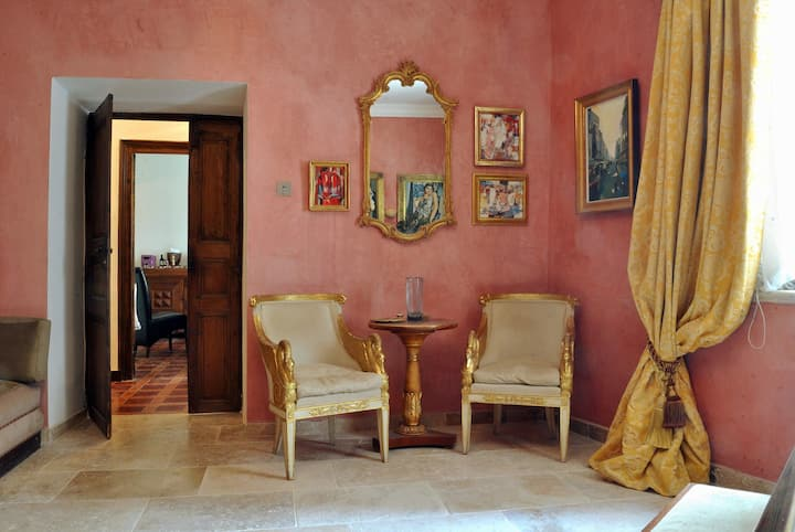 Luxury room in Villa Vasilisa in the Corbieres
