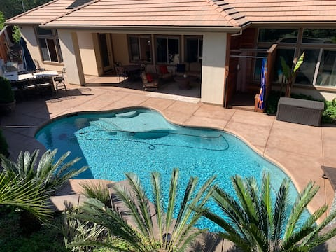 Peaceful upscale 3000 sqft tranquil oasis🌴