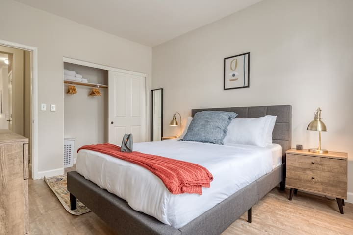 Modern 2 Bedroom in Foster City