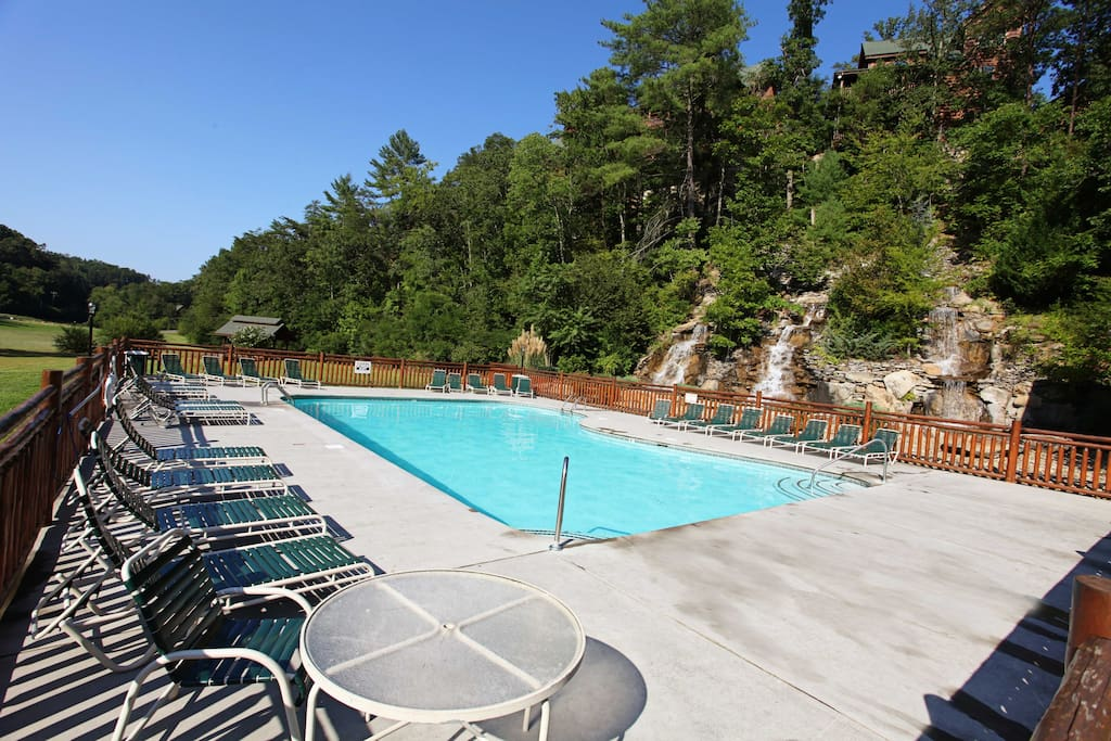 Better View-Resort Outdoor Pool