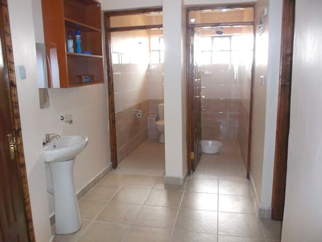 Common bathroom and common toilet