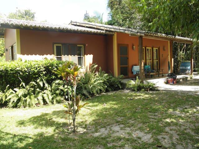 Casa na Vila de Santo Andre, Bahia. Beach house - Santo André - Bungalow