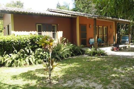 Casa na Vila de Santo Andre, Bahia. Beach house - Santo André