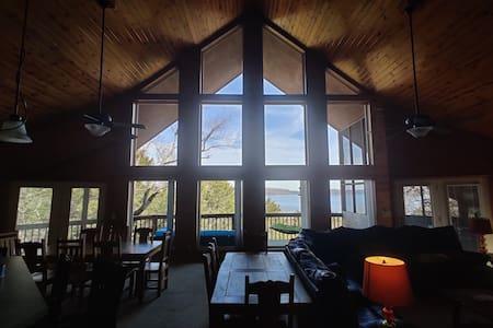 Beaver Lake Arkansas ~ Social Distancing Getaway!