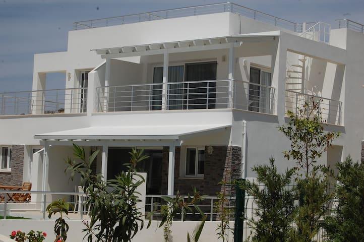 Cyprus - 5 Star Luxury Poolside and Beach Villa