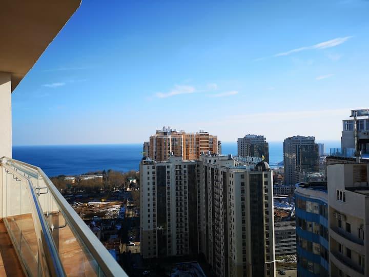 Элитная квартира в Аркадии с видом на море