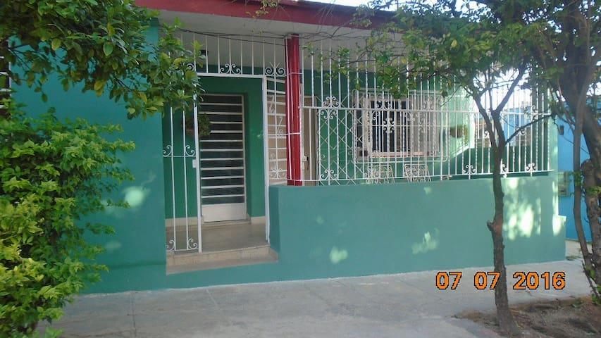 Casa de renta El Limon en La Habana Cuba