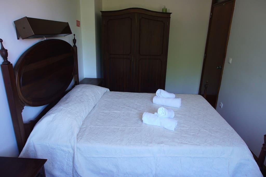 quarto no centro do porto auberges de jeunesse louer porto porto portugal. Black Bedroom Furniture Sets. Home Design Ideas