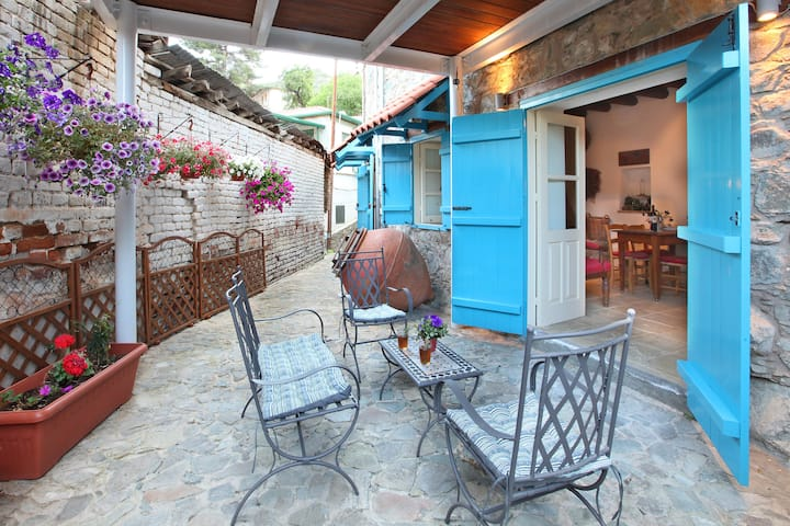 Kalopanayiotis 1 bedroom Cottage, Traditional