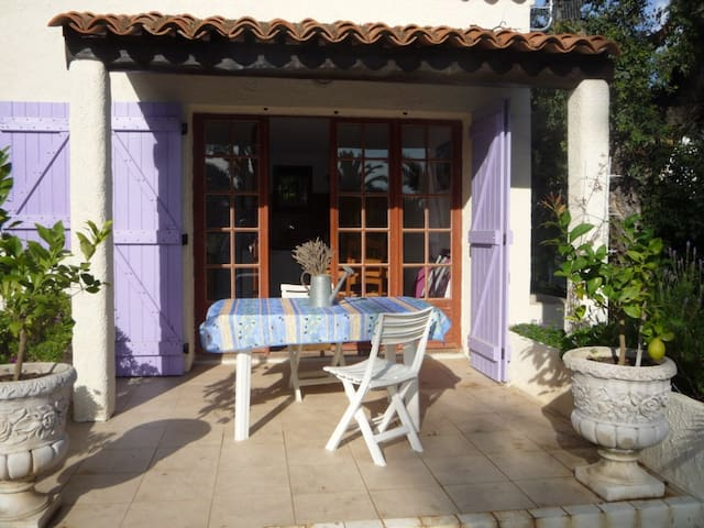 Maisonnette indépendante - Bormes-les-Mimosas - Bungalou