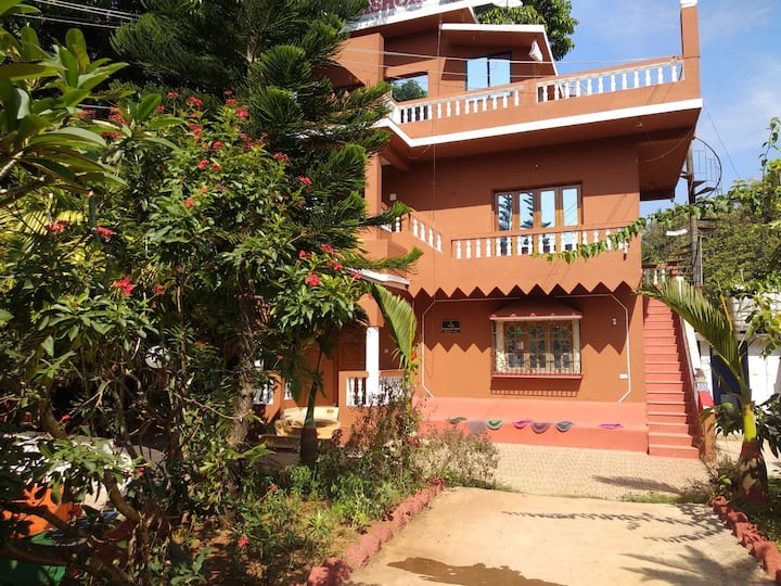 Comfortable bnb near ashvem beach