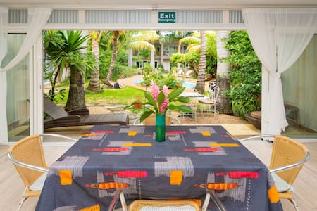 Container home, garden, pool ★ Flexible cancel