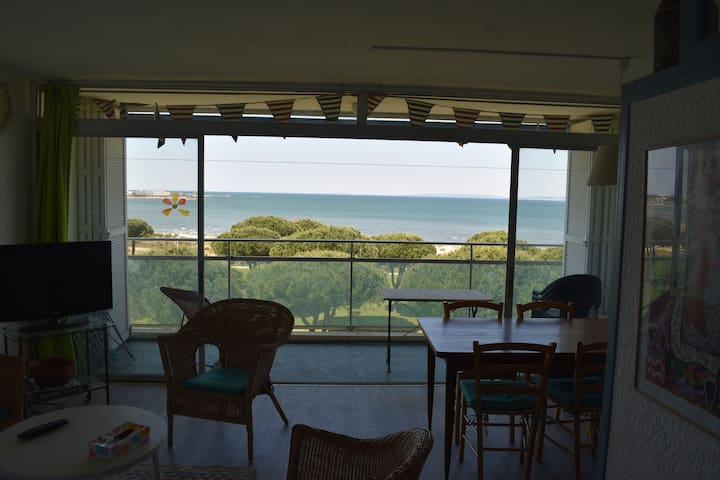 Appartement avec terrasse et vue sur la mer