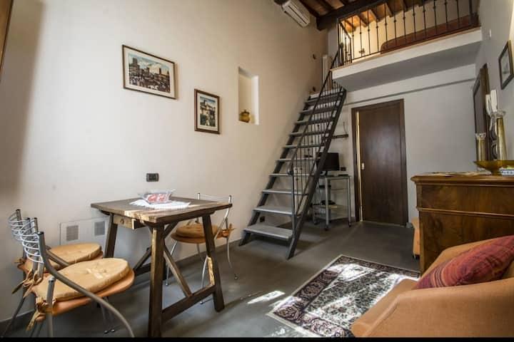 room Guido Monaco