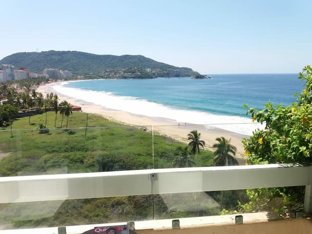 Oceanview Condo in the best beach of Ixtapa