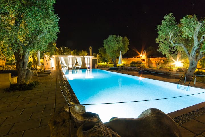 Exclusive villa with pool for 12 people - Carpignano Salentino - Villa