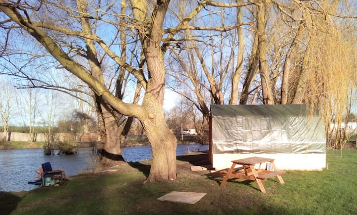 Glamping pod + optional camping, fishing - Suffolk