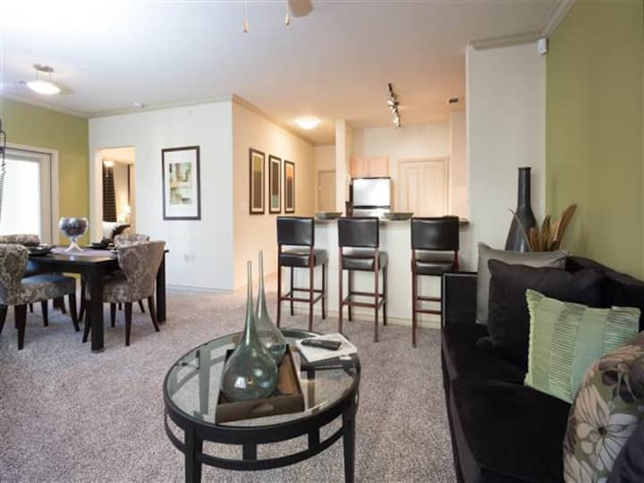Amazing 1BR w/ pool, gym and more in Fort Worth