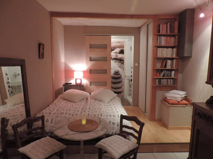Pretty bedroom in the countryside 10 mtes Metz.