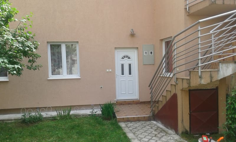 House with beautiful garden - Valjevo - Haus