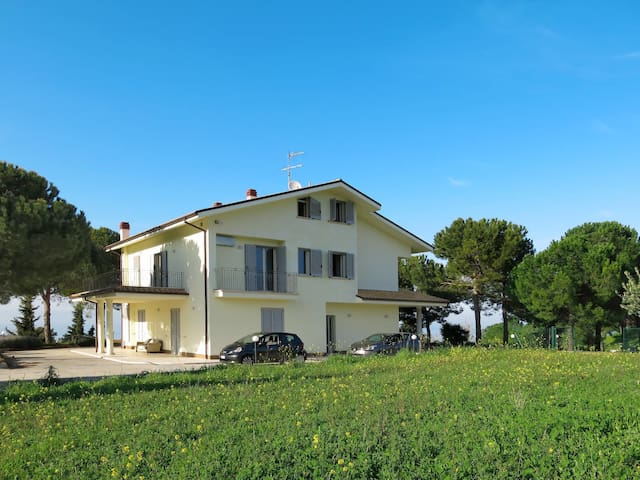 Holiday House Michela for 10 persons in Pineto