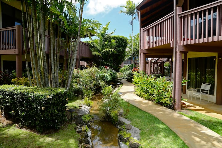 Princeville Resort Style Studio ★ Pools & Hot Tubs