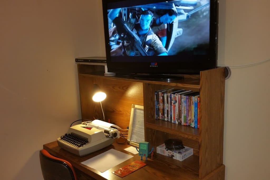 There is a small collection of DVD's available in the room to enjoy.  Cable is available in the living room.  The room is wired for cable if you plan to stay long term and want to pitch in for another box.
