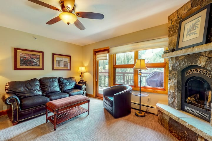 Ski-in/ski-out condo with mountain views, gas fireplace, and shared pool/hot tub