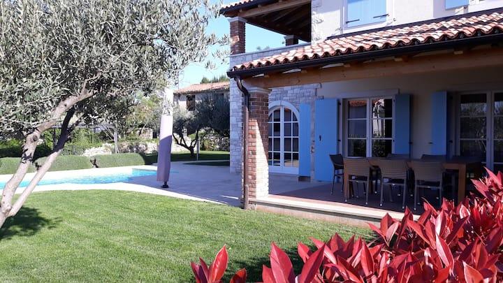 Villa Miramar, seaview, pool (6-8)
