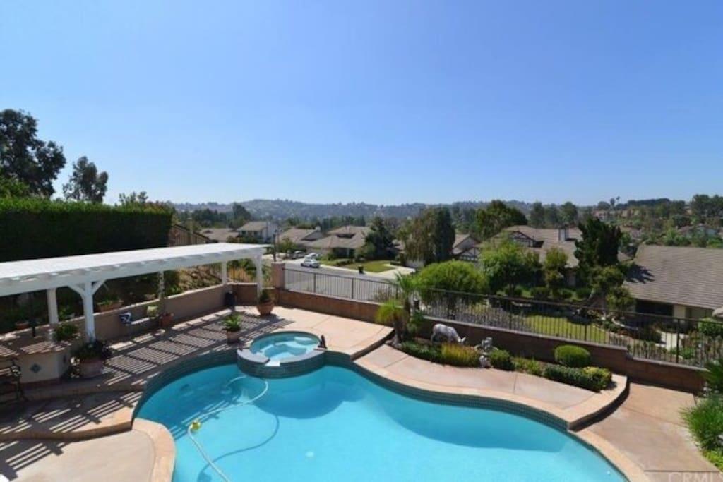 后院私家泳池